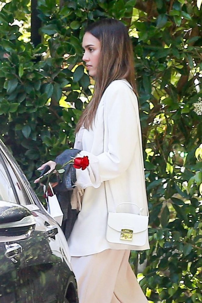 Jessica Alba - Leaving the Bel Air Hotel in Beverly Hills