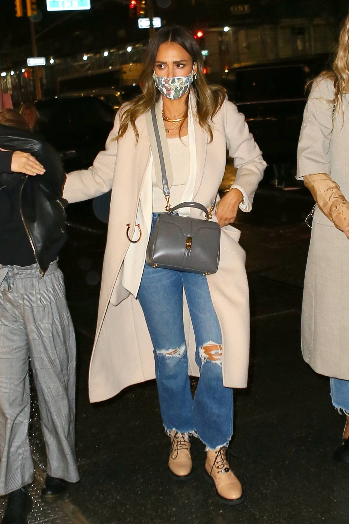 Jessica Alba 2021 : Jessica Alba – Night out in New York City-04