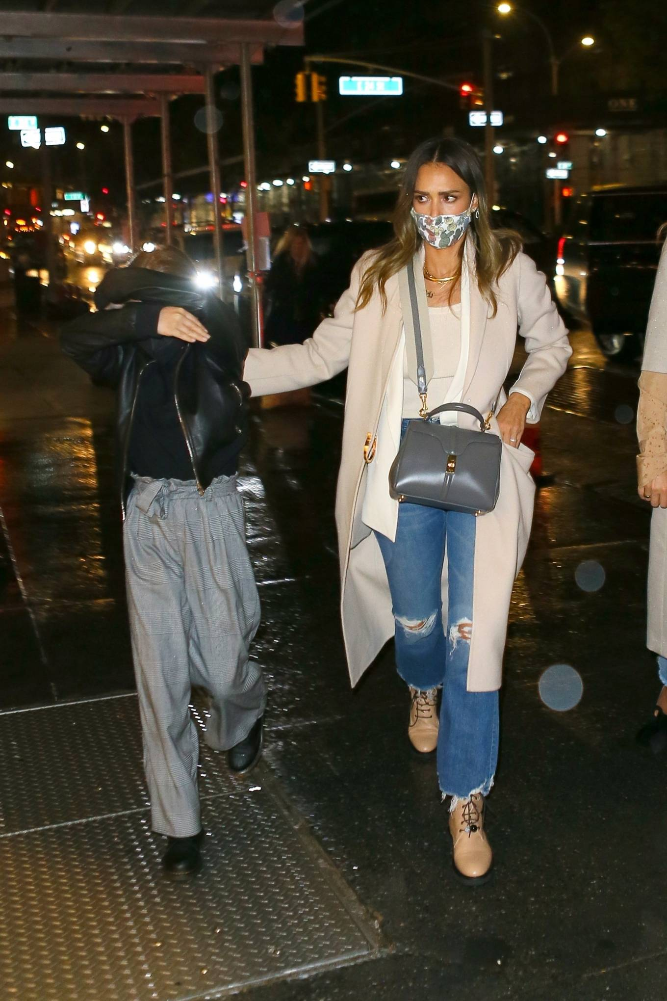 Jessica Alba 2021 : Jessica Alba – Night out in New York City-11