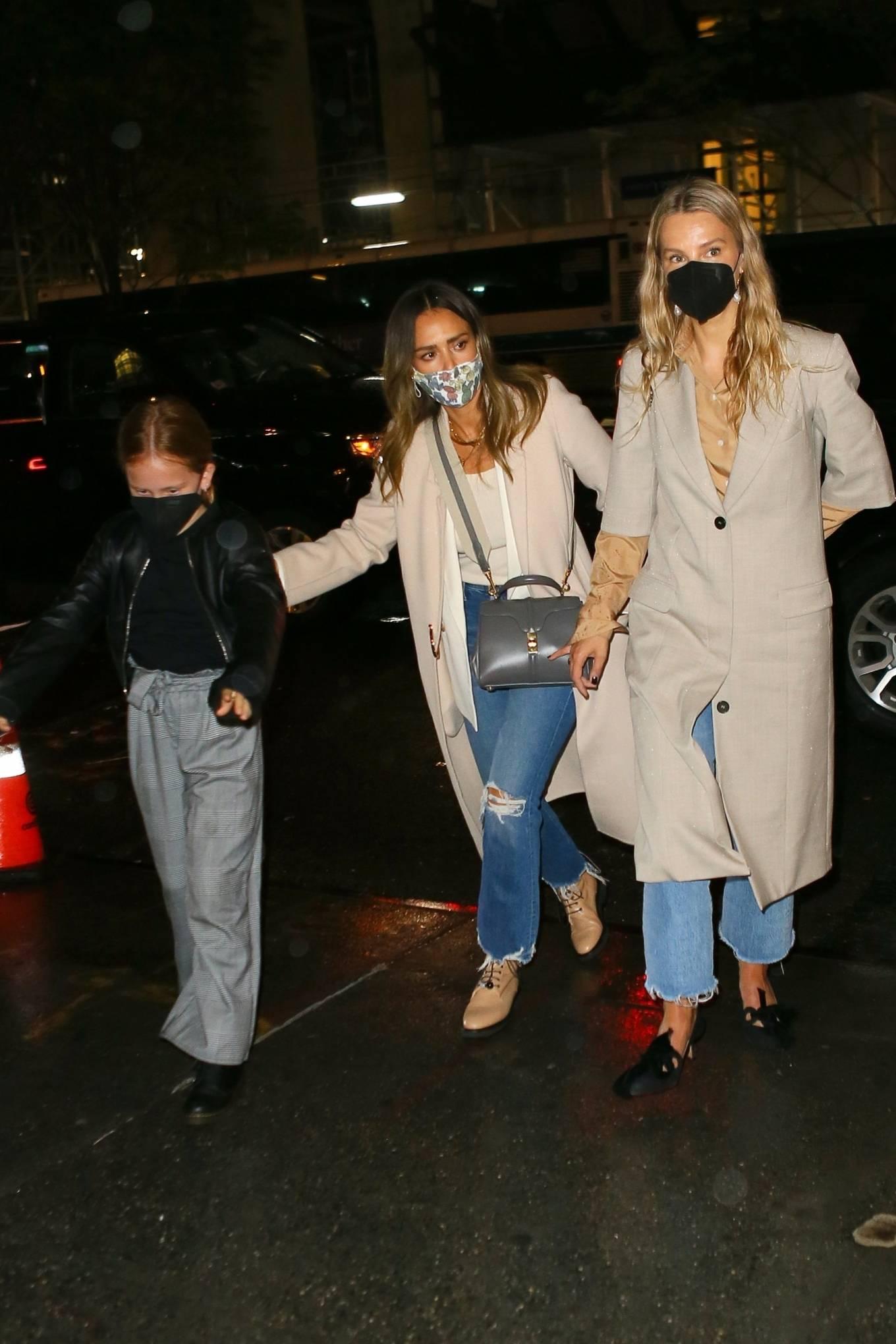 Jessica Alba 2021 : Jessica Alba – Night out in New York City-12