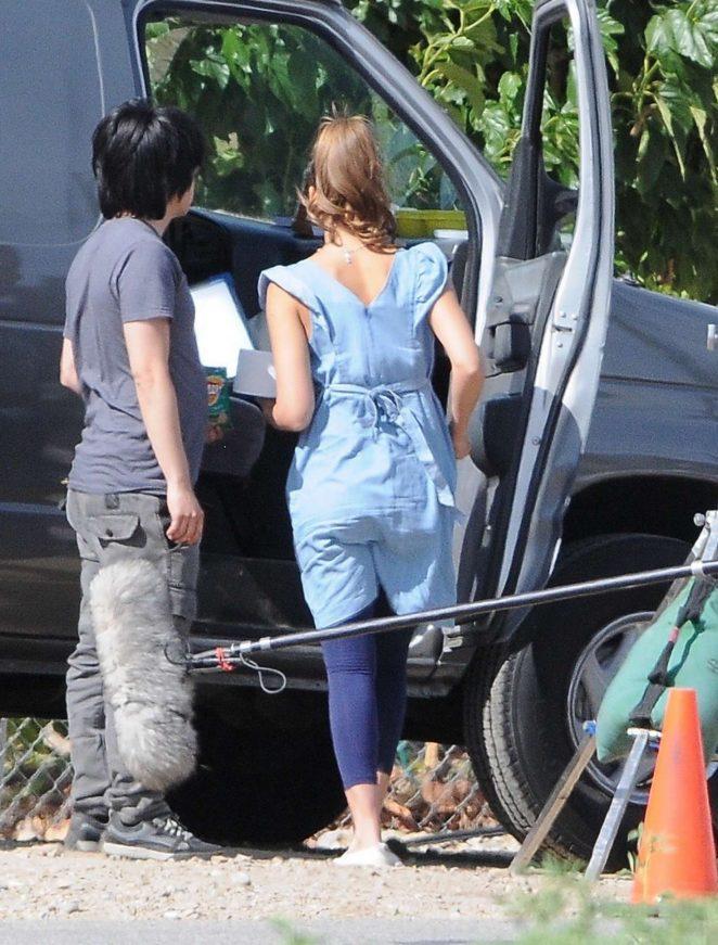 Jessica Alba on set of her new movie El Camino Christmas -01 ...
