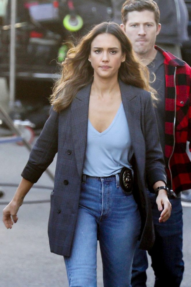 Jessica Alba - On the set of 'L.A.'s Finest' in Los Angeles