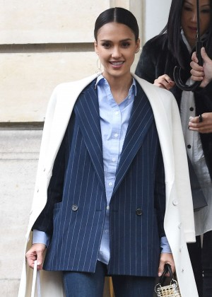 Jessica Alba - Out and about in Paris