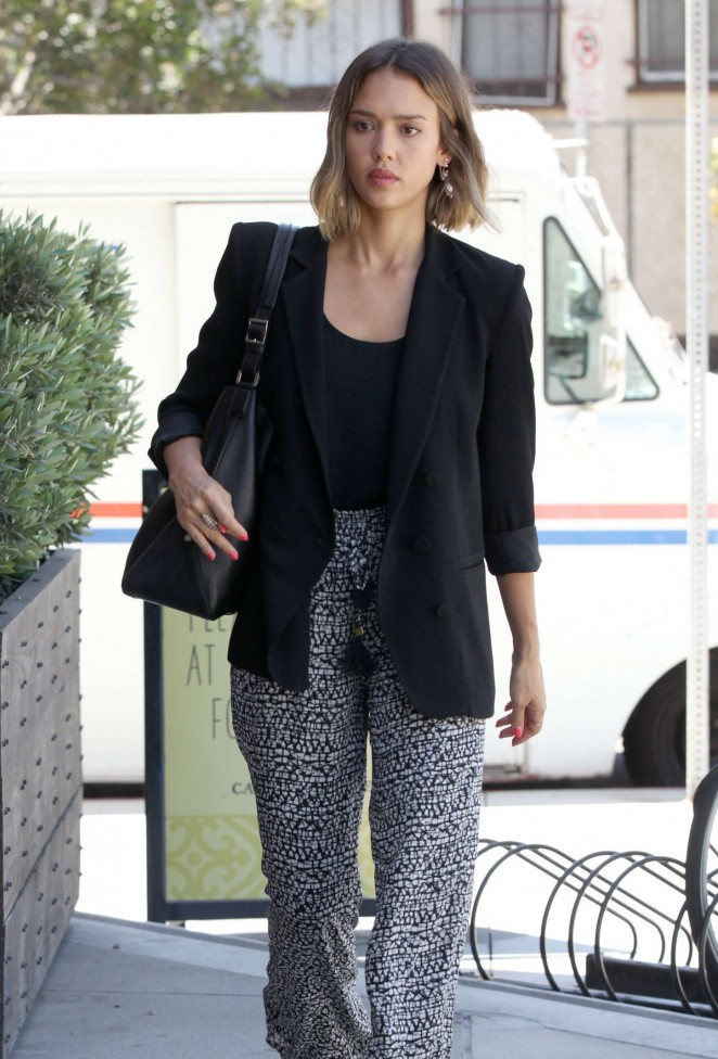 Jessica Alba - Out and about in Venice