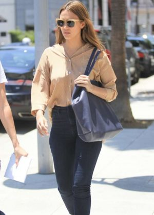 Jessica Alba - Out for lunch in Beverly Hills
