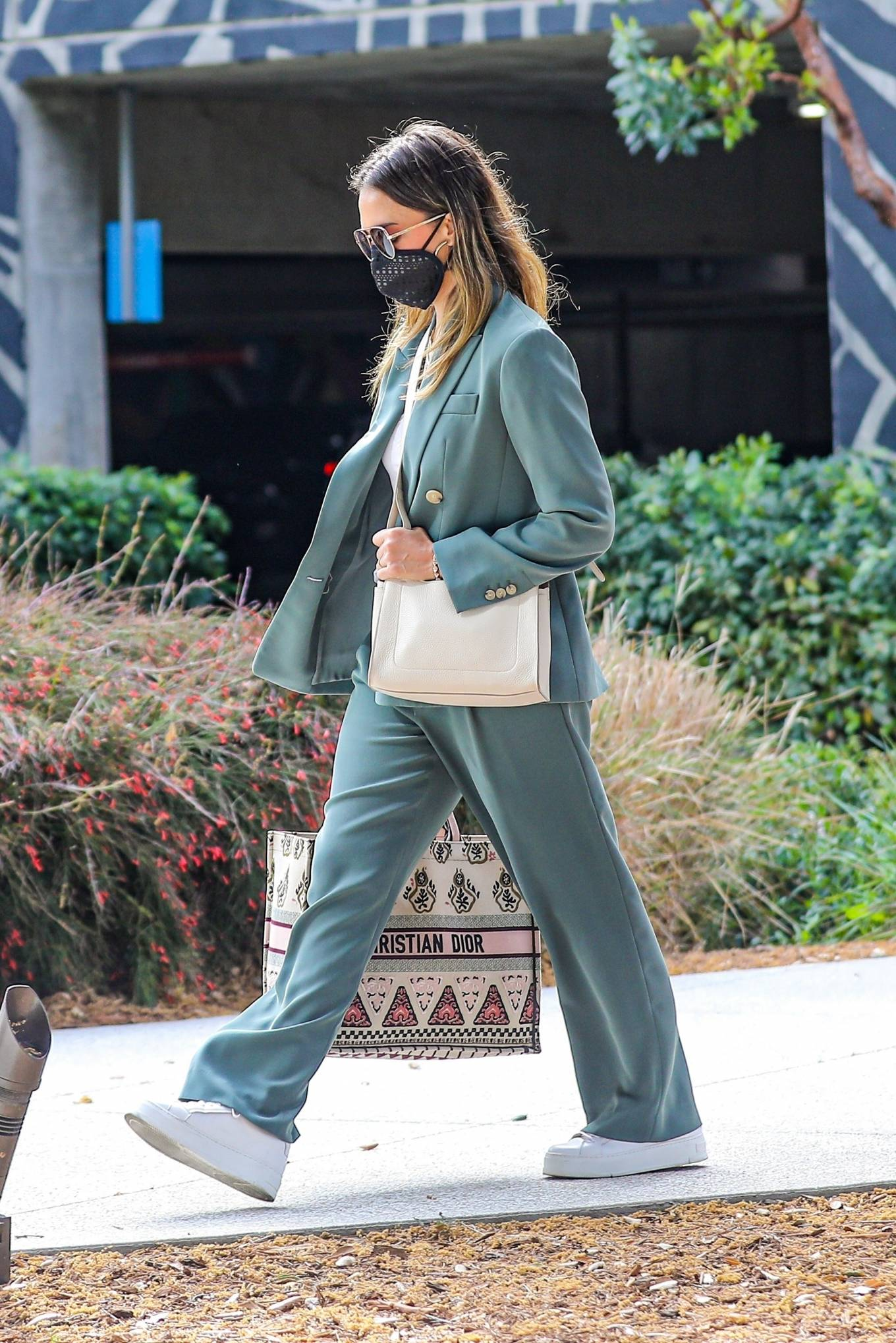Jessica Alba 2021 : Jessica Alba – Out in a classy suit in Playa Vista-01