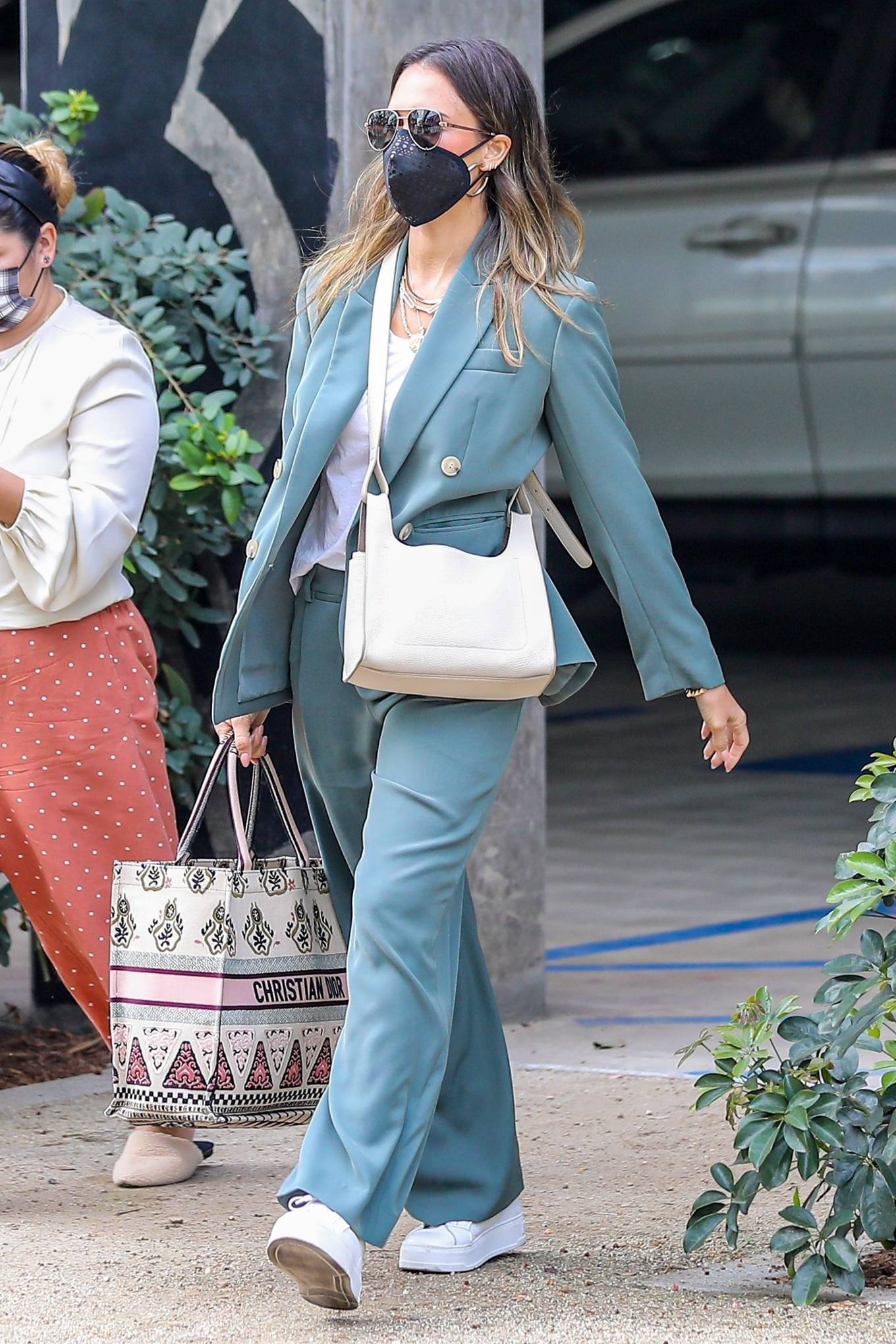 Jessica Alba 2021 : Jessica Alba – Out in a classy suit in Playa Vista-38