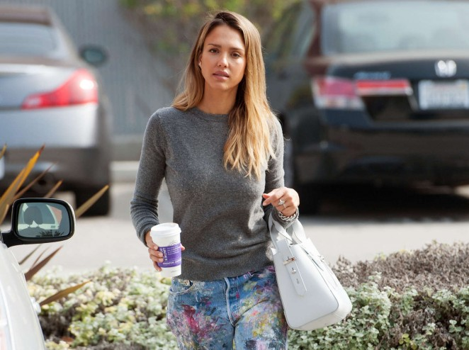 Jessica Alba – Out in LA -10