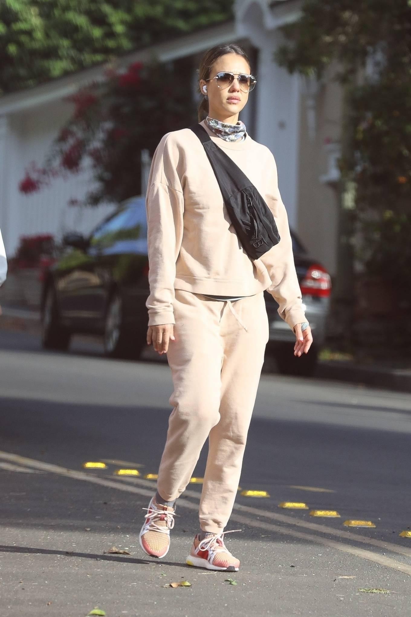 Jessica Alba 2020 : Jessica Alba – out in Los Angeles-03