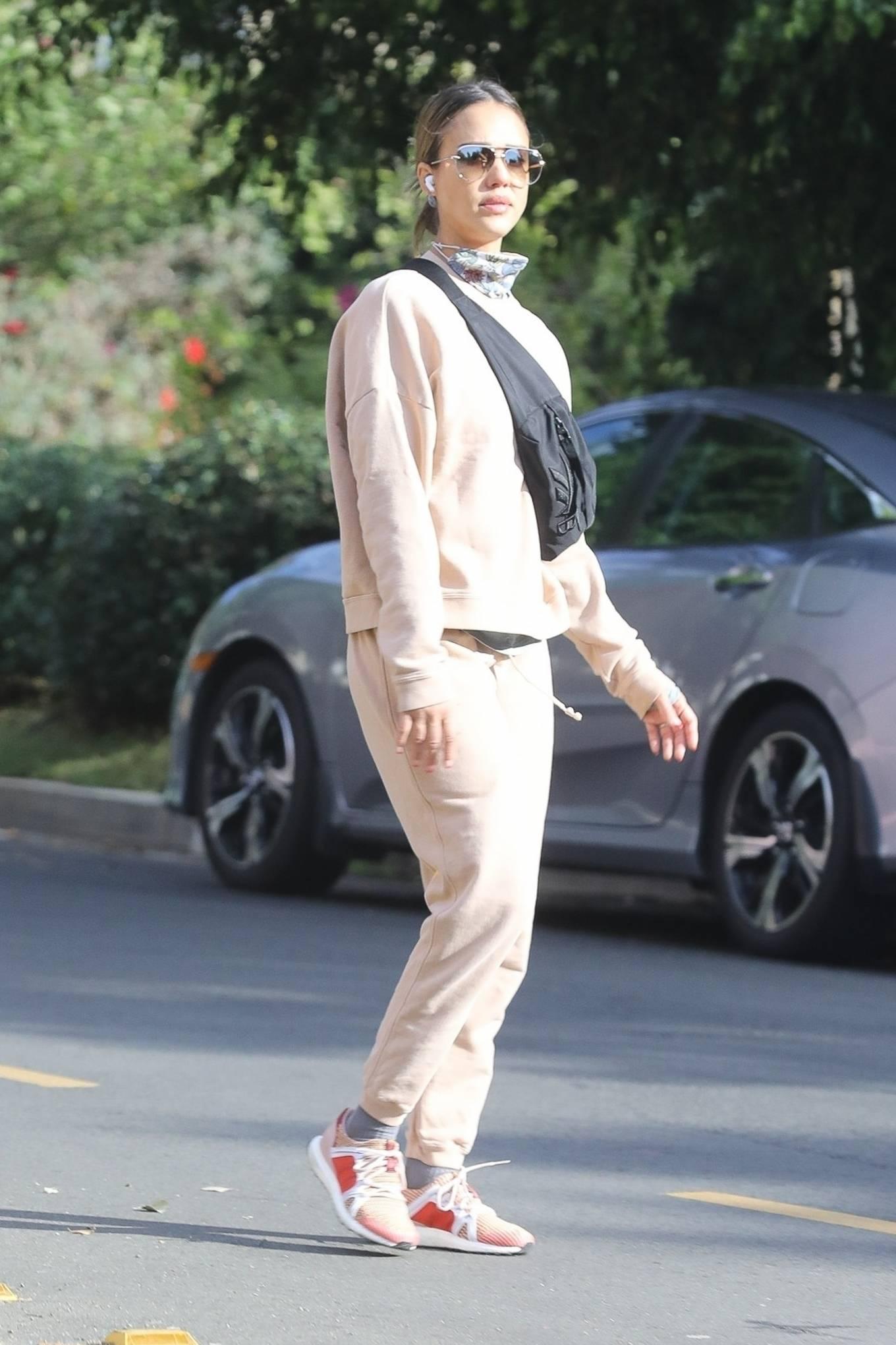 Jessica Alba 2020 : Jessica Alba – out in Los Angeles-08