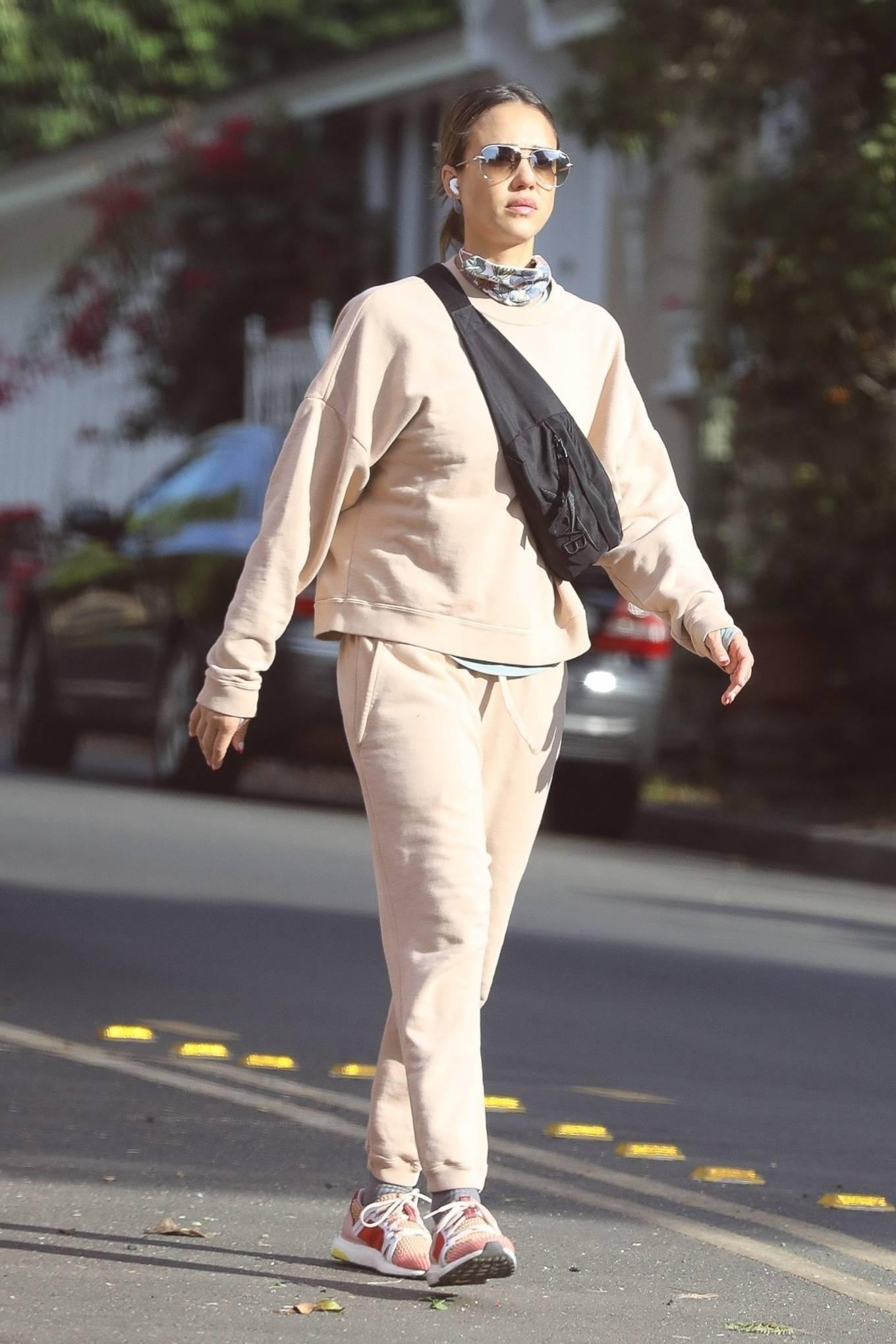 Jessica Alba 2020 : Jessica Alba – out in Los Angeles-09