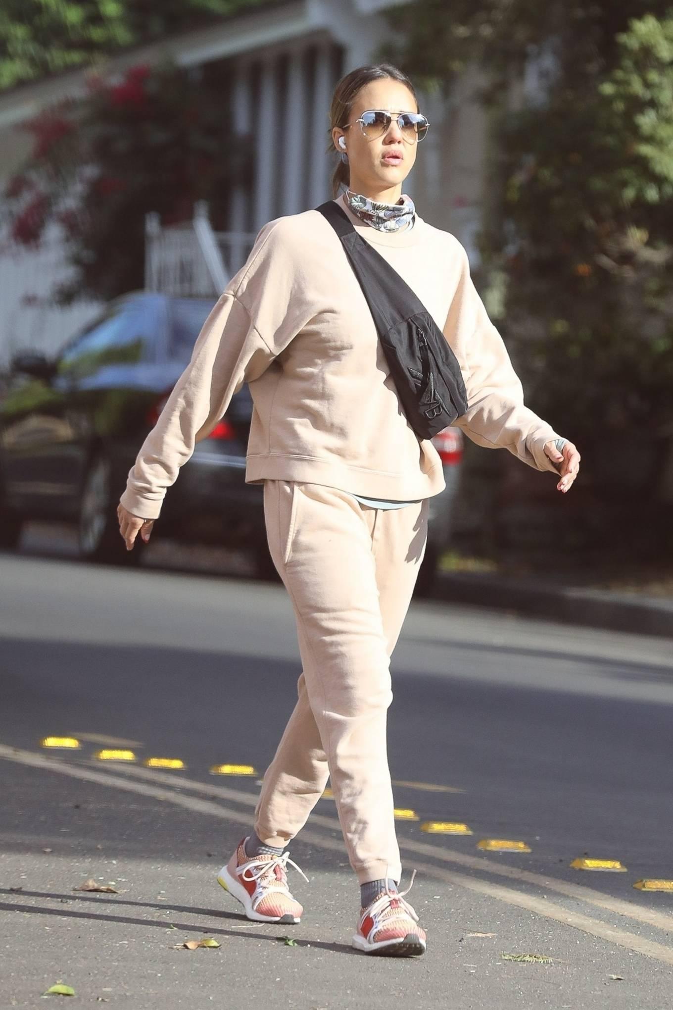 Jessica Alba 2020 : Jessica Alba – out in Los Angeles-12