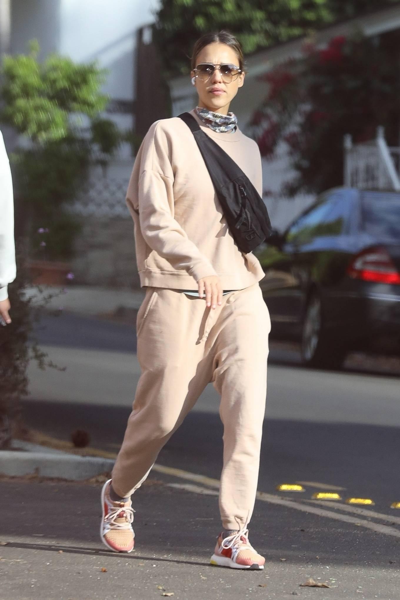 Jessica Alba 2020 : Jessica Alba – out in Los Angeles-13