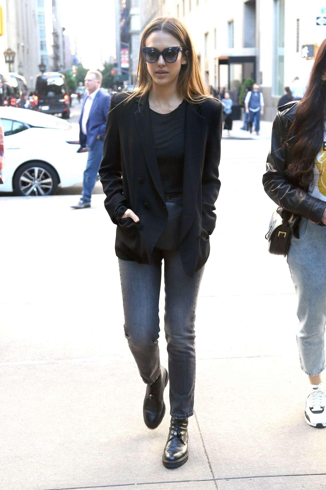 Jessica Alba 2019 : Jessica Alba: Out in NYC-08