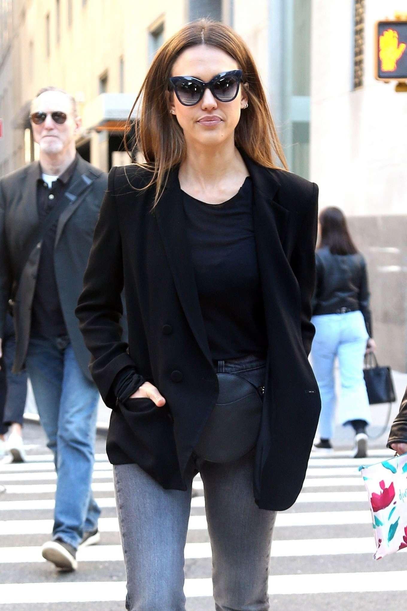 Jessica Alba 2019 : Jessica Alba: Out in NYC-15
