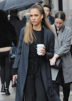 Jessica Alba out in rainy New York