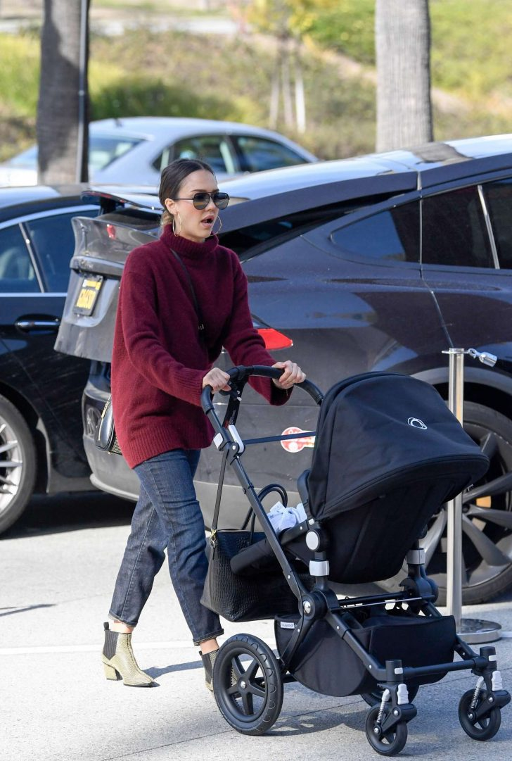 Jessica Alba: Out to lunch in LA -04