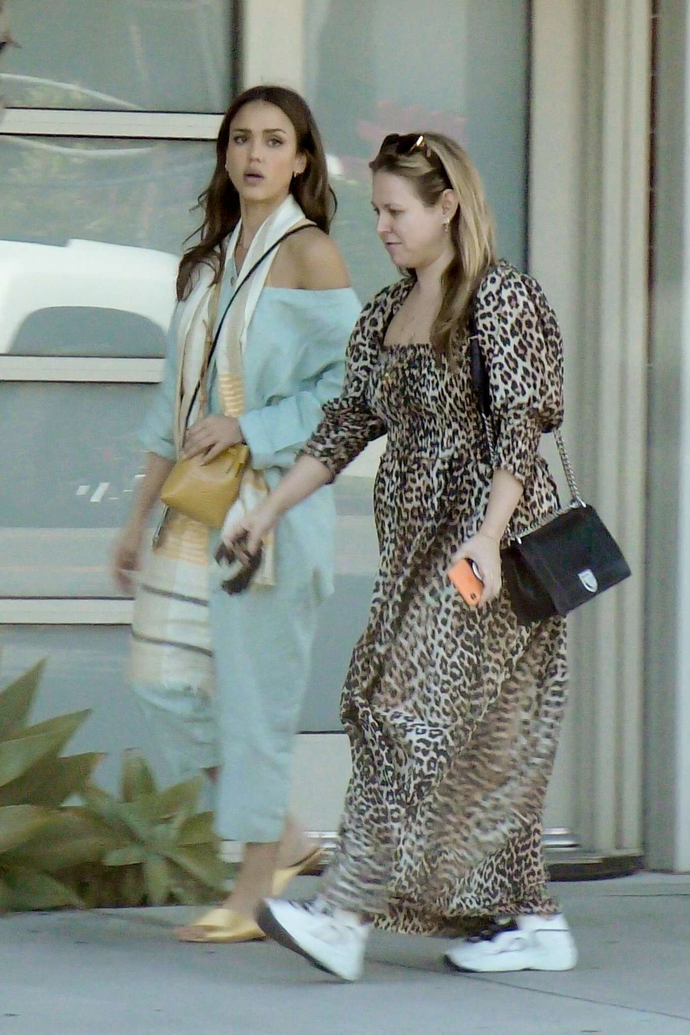 Jessica Alba 2019 : Jessica Alba – Out with a friend in Los Angeles-01