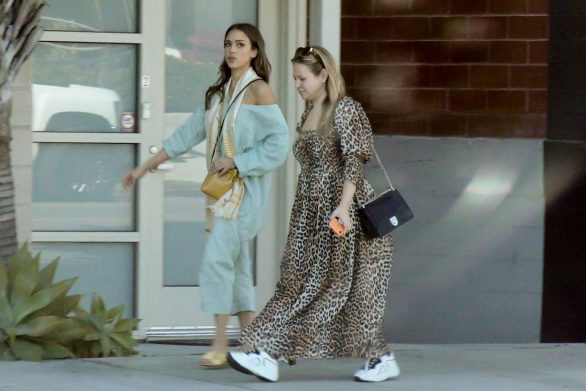 Jessica Alba 2019 : Jessica Alba – Out with a friend in Los Angeles-05