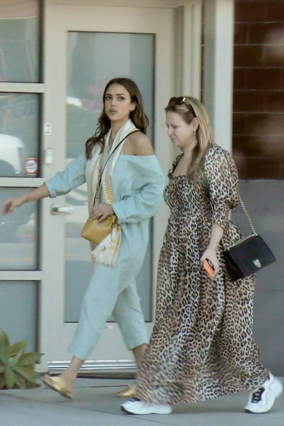Jessica Alba 2019 : Jessica Alba – Out with a friend in Los Angeles-08