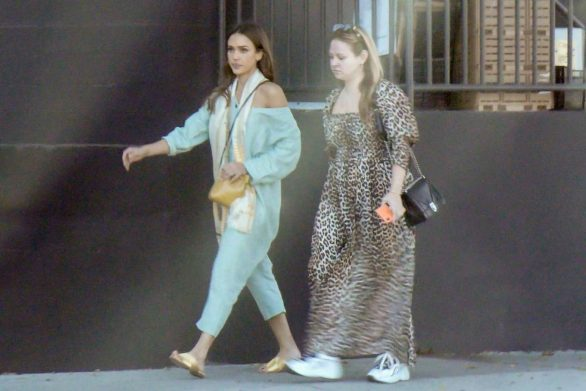 Jessica Alba 2019 : Jessica Alba – Out with a friend in Los Angeles-09