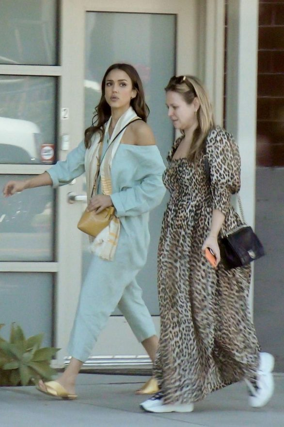 Jessica Alba 2019 : Jessica Alba – Out with a friend in Los Angeles-11