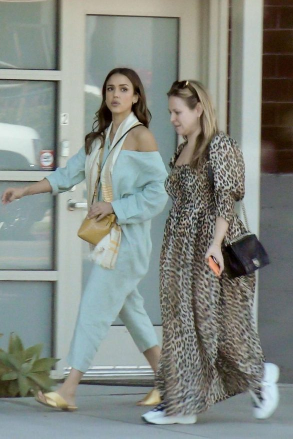 Jessica Alba 2019 : Jessica Alba – Out with a friend in Los Angeles-13