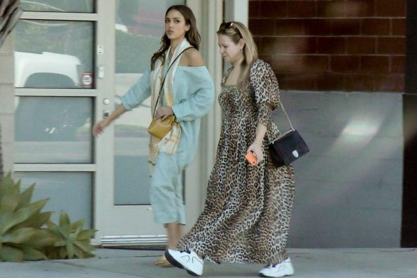 Jessica Alba 2019 : Jessica Alba – Out with a friend in Los Angeles-14