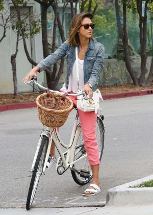Jessica Alba: Riding her bike -01