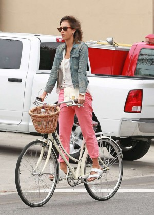 Jessica Alba: Riding her bike -07