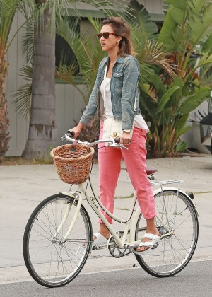 Jessica Alba: Riding her bike -15