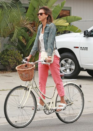 Jessica Alba: Riding her bike -19