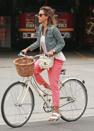 Jessica Alba: Riding her bike -20