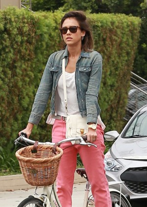 Jessica Alba: Riding her bike -23