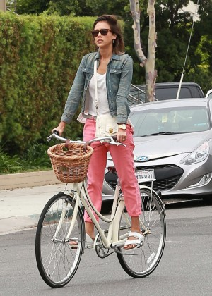 Jessica Alba: Riding her bike -26