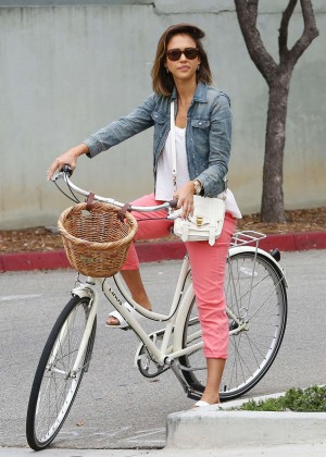 Jessica Alba: Riding her bike -31