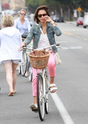 Jessica Alba: Riding her bike -32
