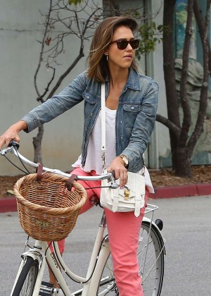 Jessica Alba: Riding her bike -33