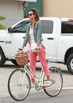 Jessica Alba: Riding her bike -34