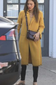 Jessica Alba - Running errands in Beverly Hills