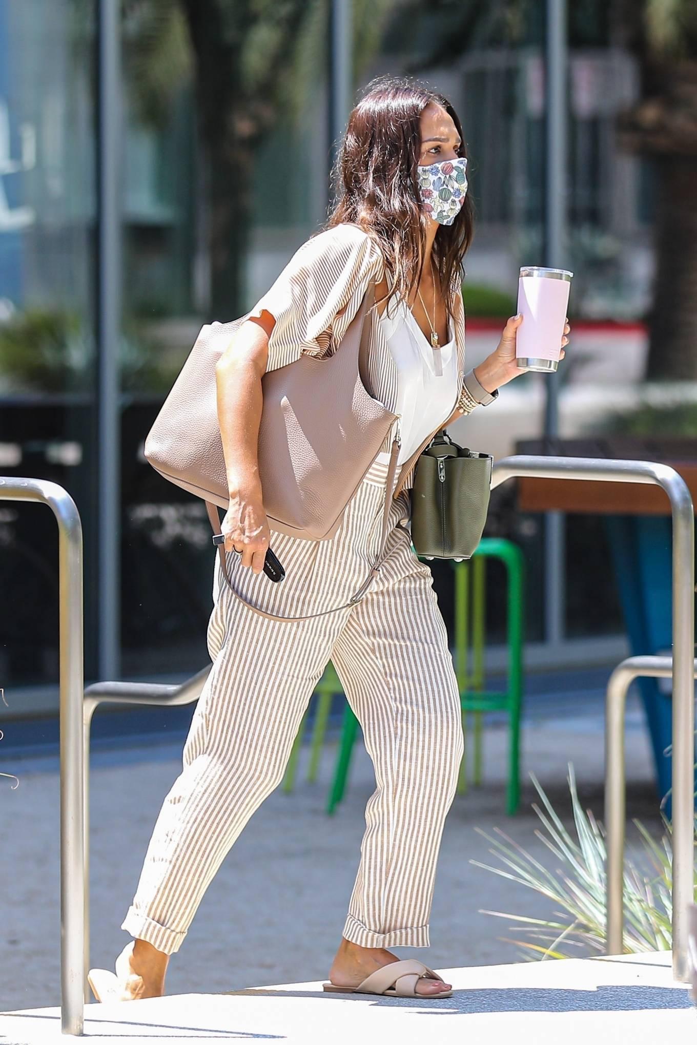 Jessica Alba - Seen at Starbucks for drinks Playa Vista