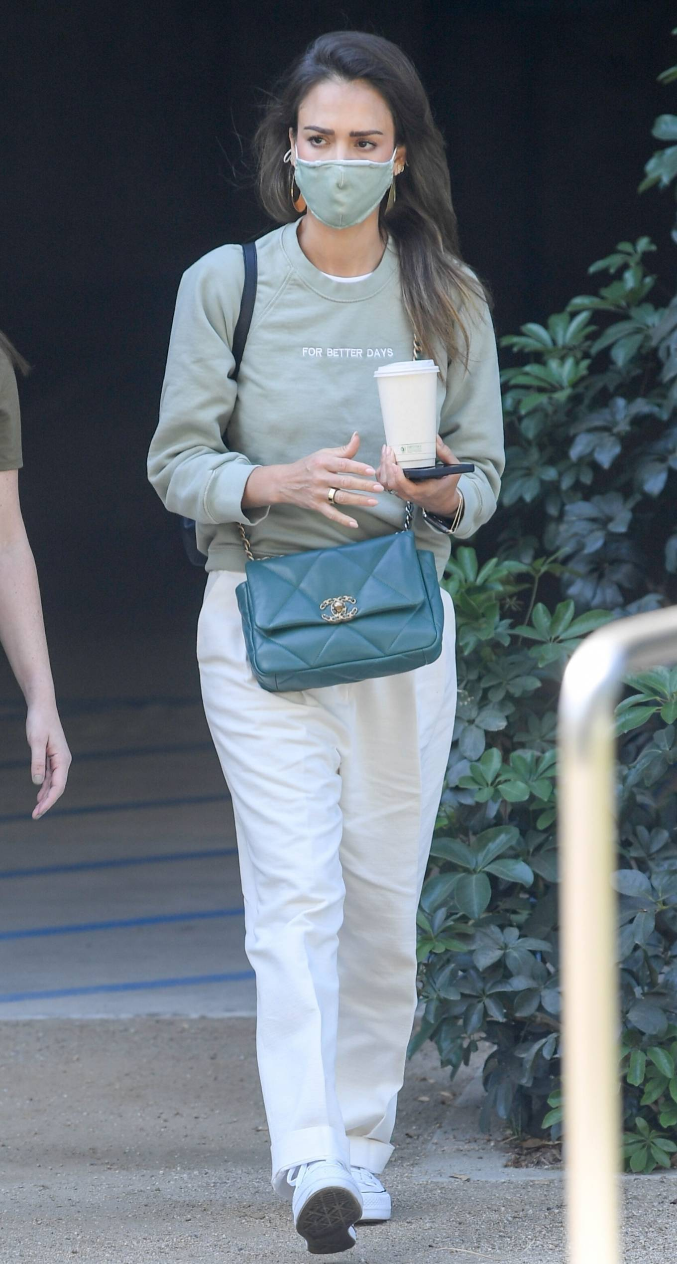 Jessica Alba - Seen at The Honest Company HQ in Brentwood