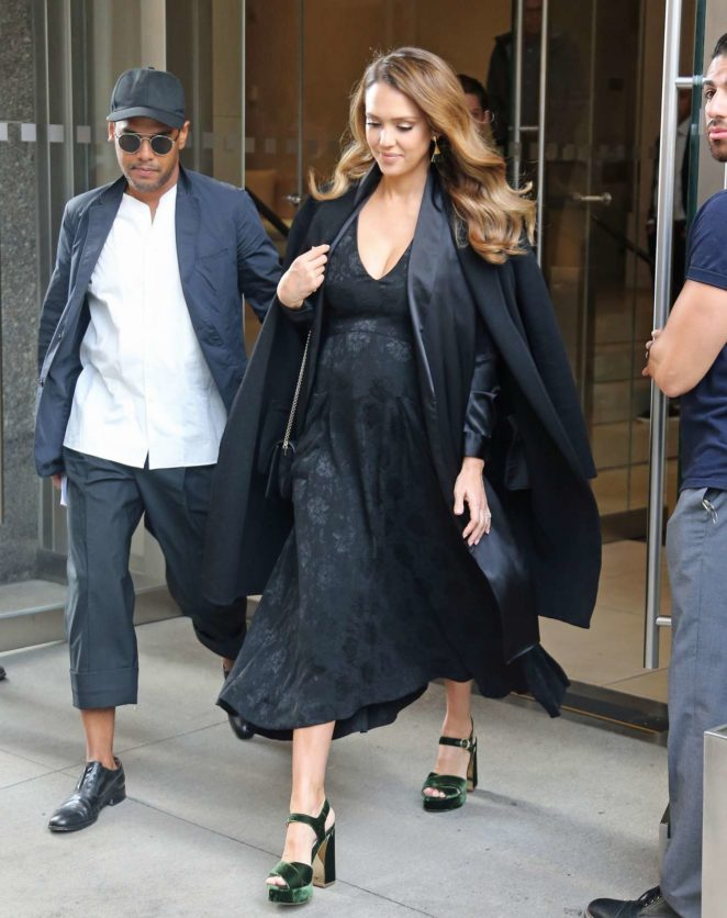 Jessica Alba - Seen leaving her hotel in NYC