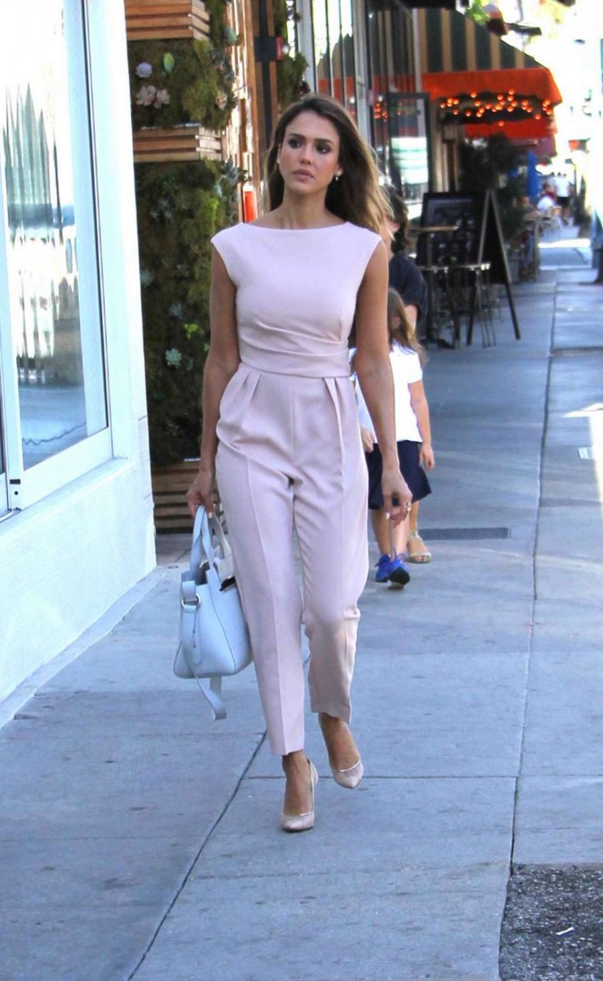 Jessica Alba in Pink Shopping in Beverly Hills