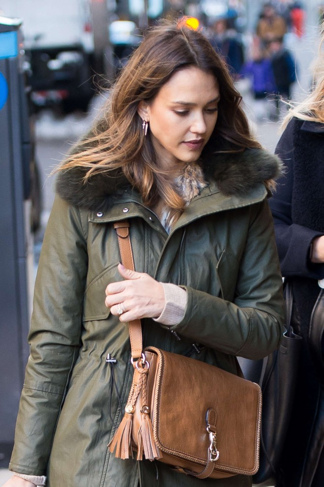 Jessica Alba Shopping in Soho in New York City