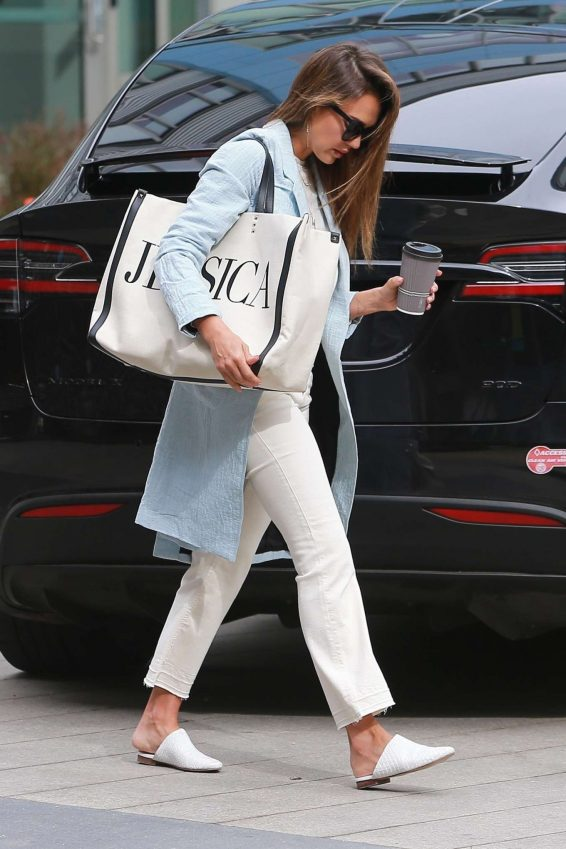 Jessica Alba – Spotted outside her office in Los Angeles-03