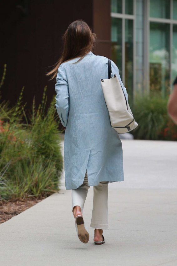 Jessica Alba – Spotted outside her office in Los Angeles-10