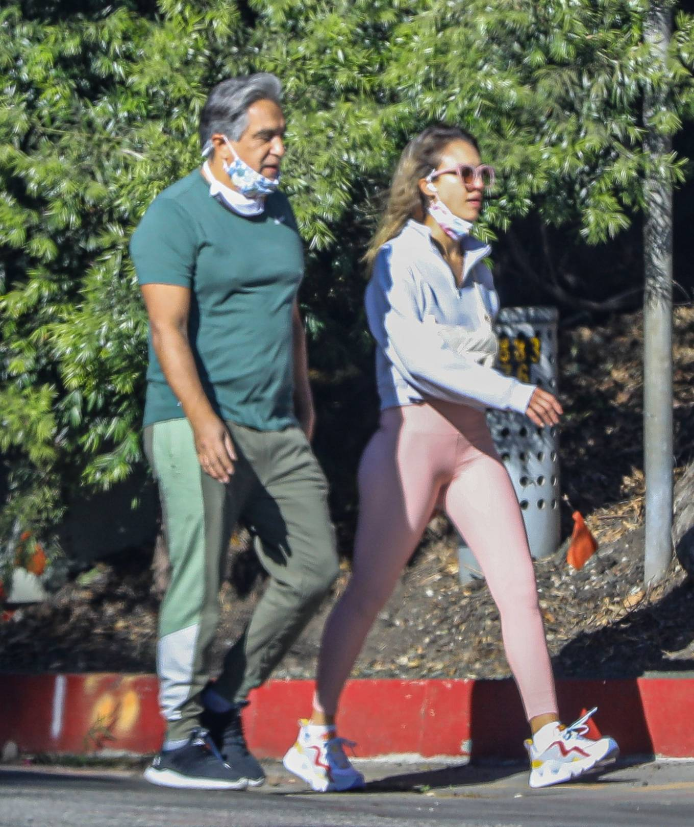 Jessica Alba 2020 : Jessica Alba – Spotted while walking with her dad in Beverly Hills-24