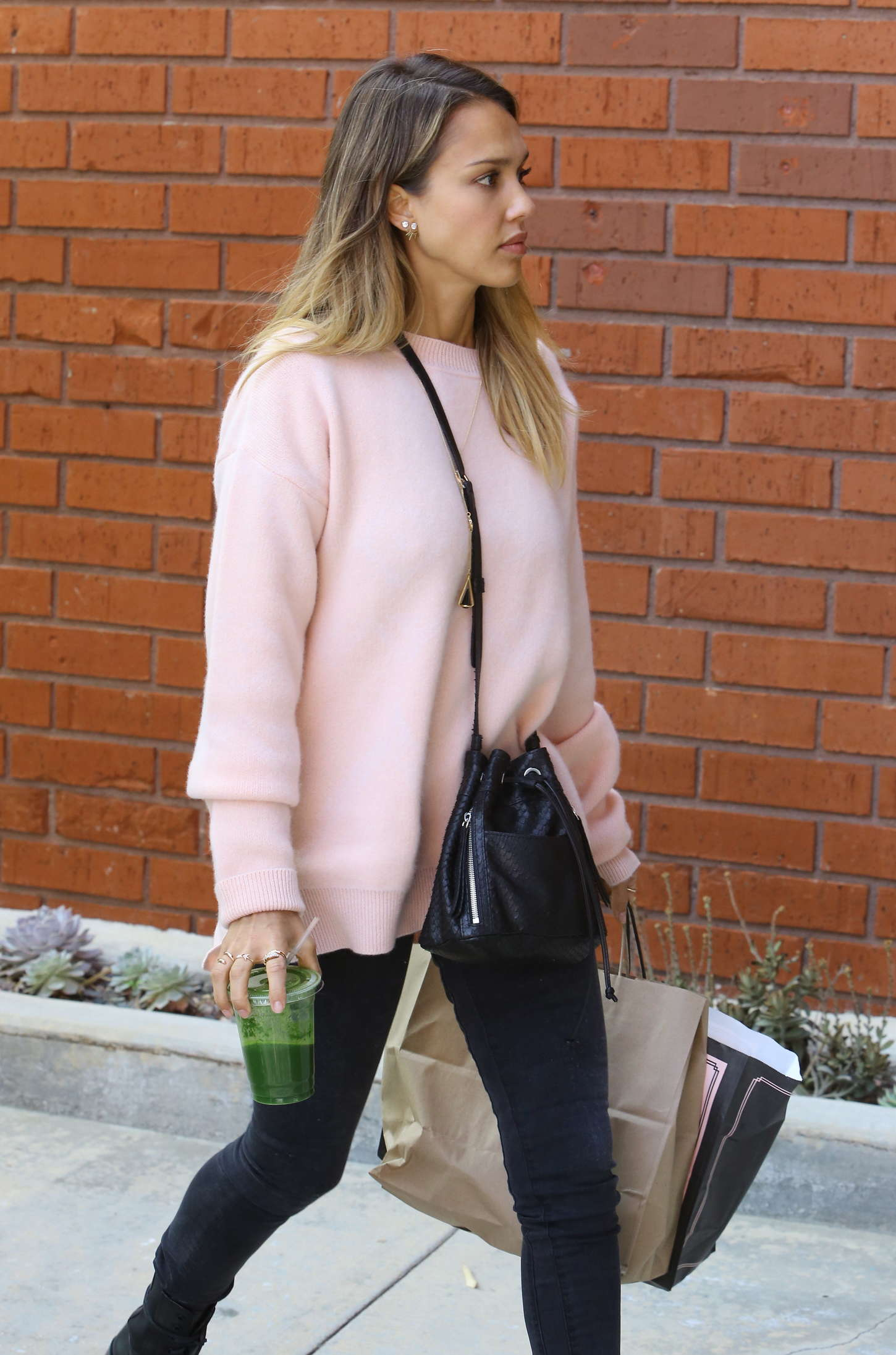 Jessica Alba Style - Out and about in Beverly Hills