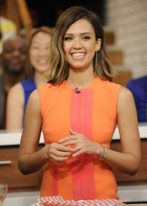 Jessica Alba - The Chew Talk Show in Canada